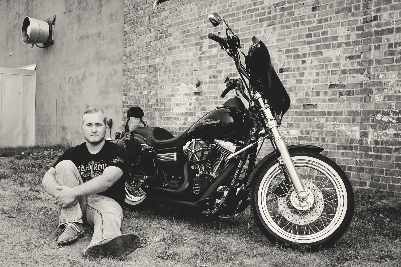 senior | elizabeth street photography | harley davidson | black and white | Harvey, ND