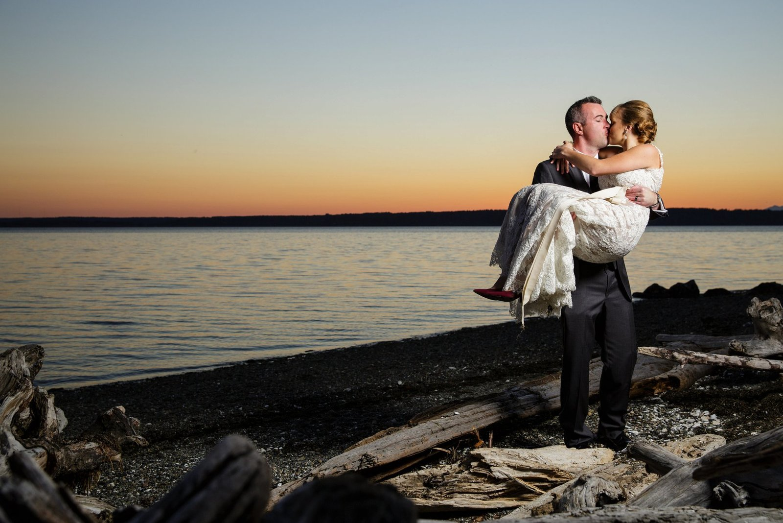 seattle-sunset-wedding-photos-beach