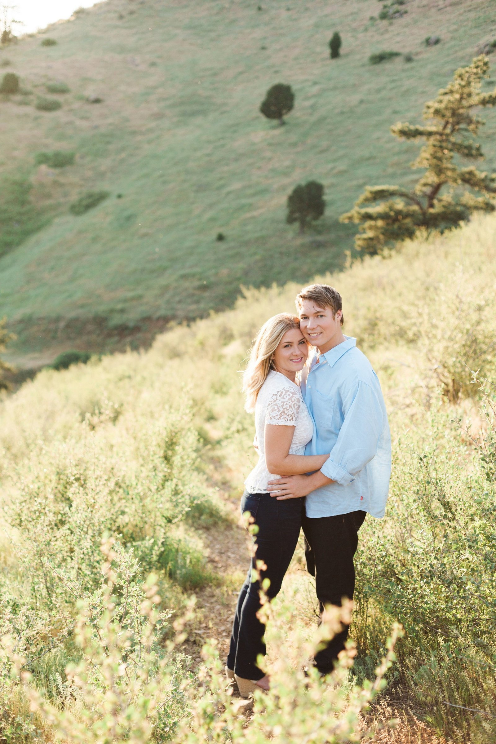 Engagements -Denver Lookout Mountain Engagement Session Golden Colorado Wedding Photographer Overlook City Lights Nature Outdoors Valley Light Couple (13)