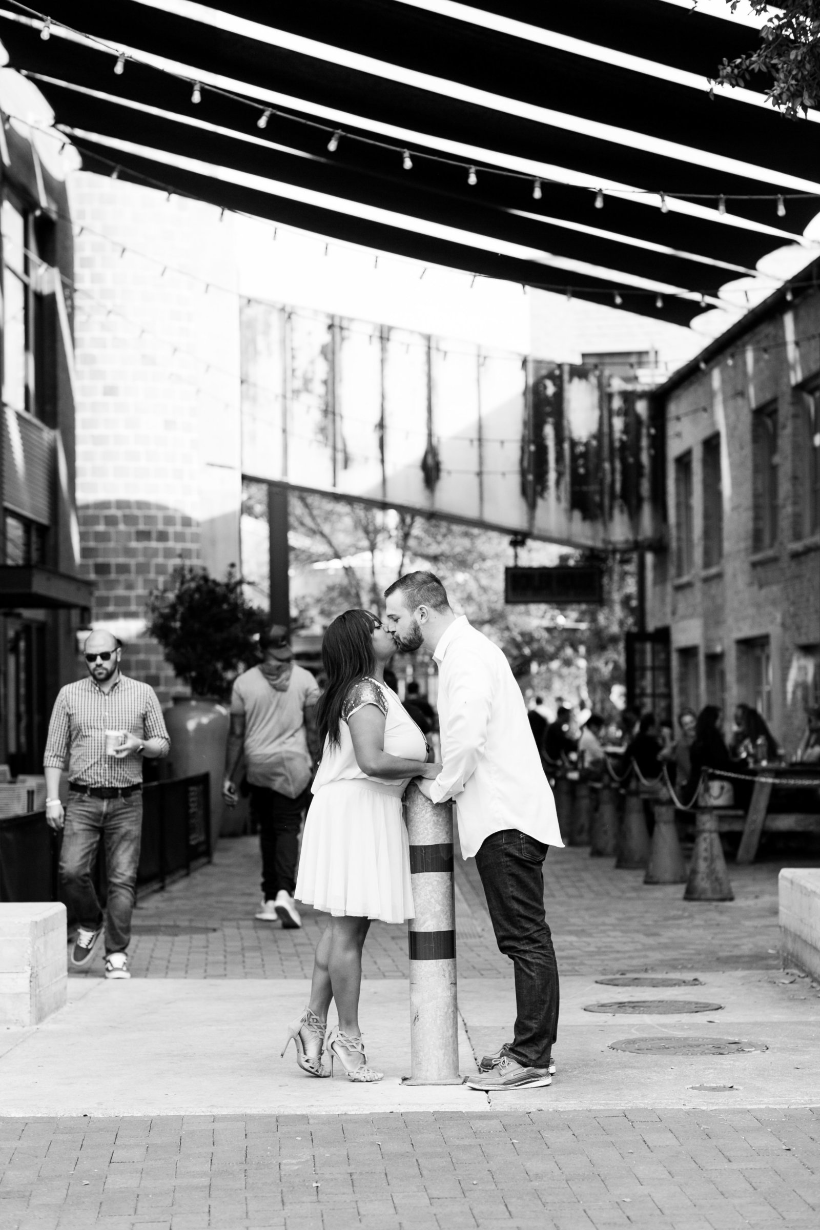 pearl-brewery-san-antonio-river-walk-texas-couple-photo-session-120