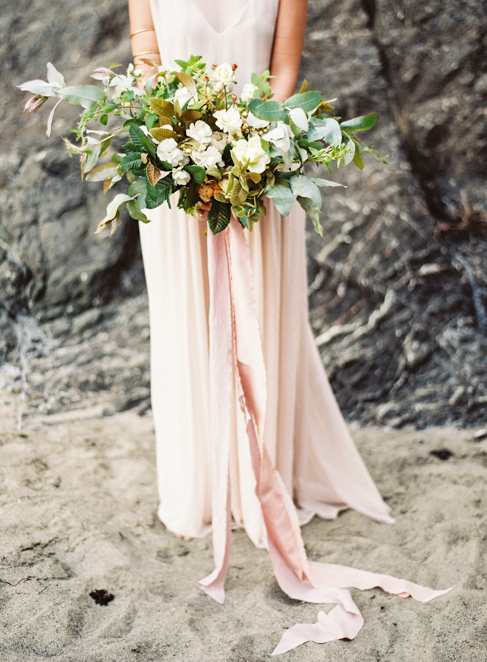 beach+bridal+editorial+by+lauren+peele+photography82