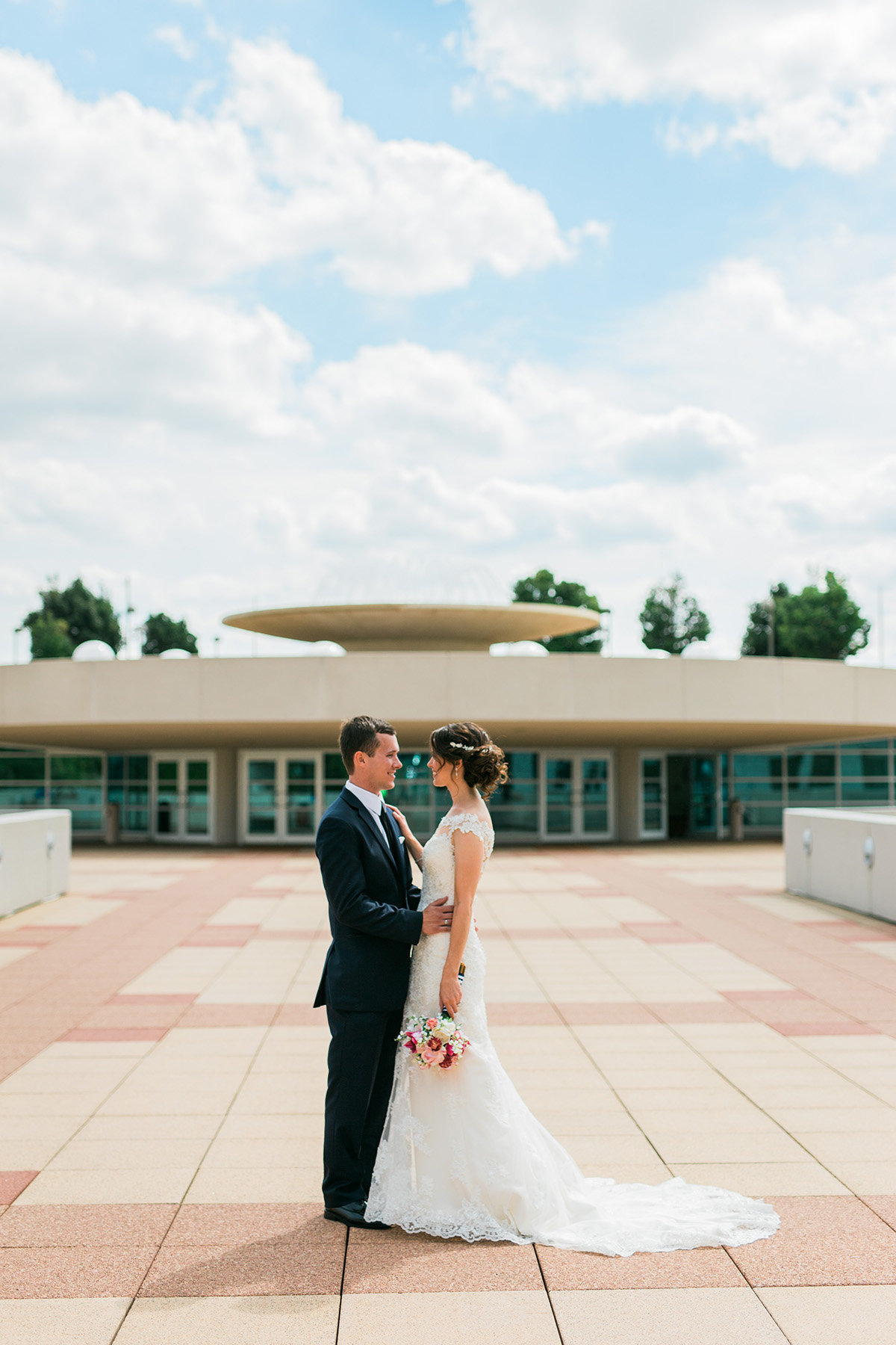 monona-terrace-bride-groom