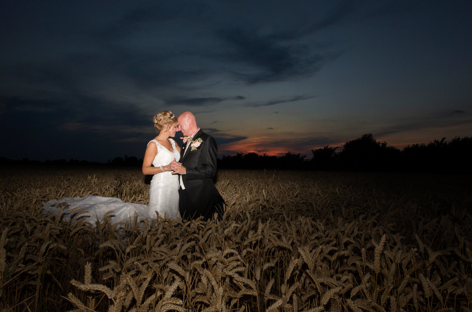adorlee-1091-southend-barns-wedding-photographer-chichester-west-sussex