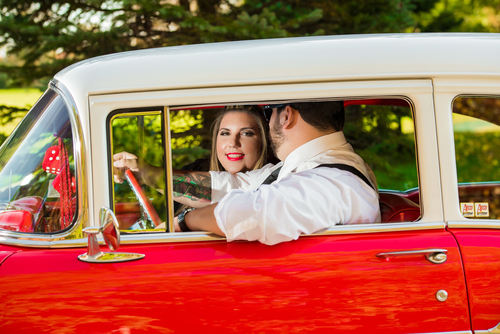 Retro_Pinup_Car_engagement_session_Nj043