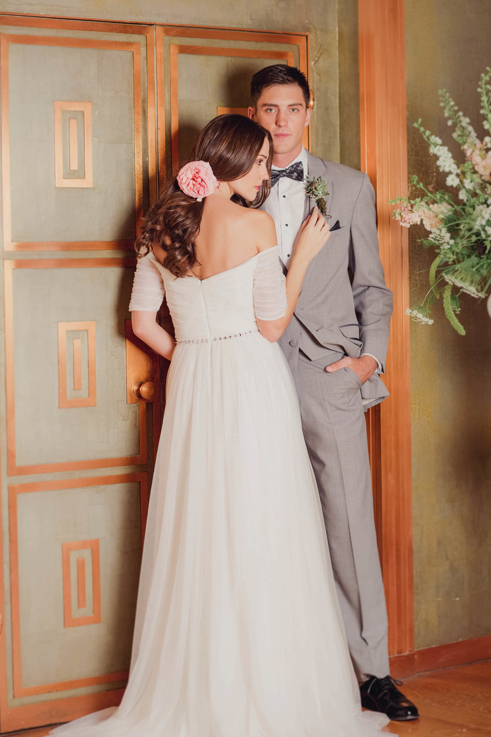 gold-room-bouquet-pink-purple-spring-bridal-lookbook-fashion-editorial-glamour-grace-blog-published-rosa-clara-francesca-miranda-jenny-packham-mma-agency-kate-timbers140
