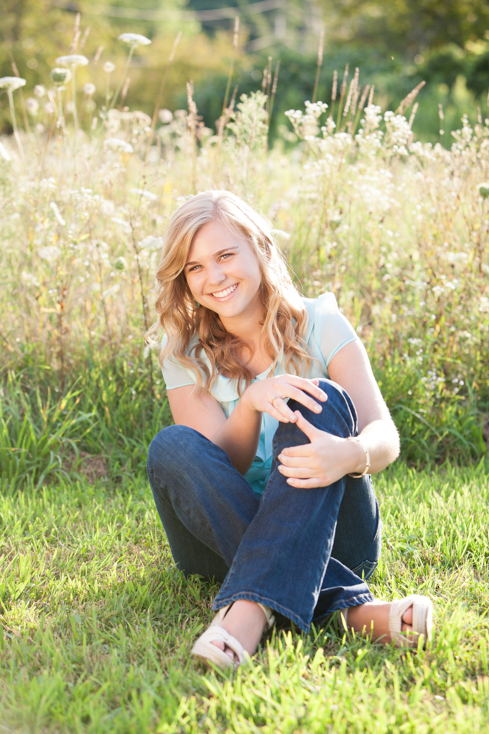 outdoor casual senior portrait photography pictures Poughkeepsie by professional photographer in the Hudson Valley