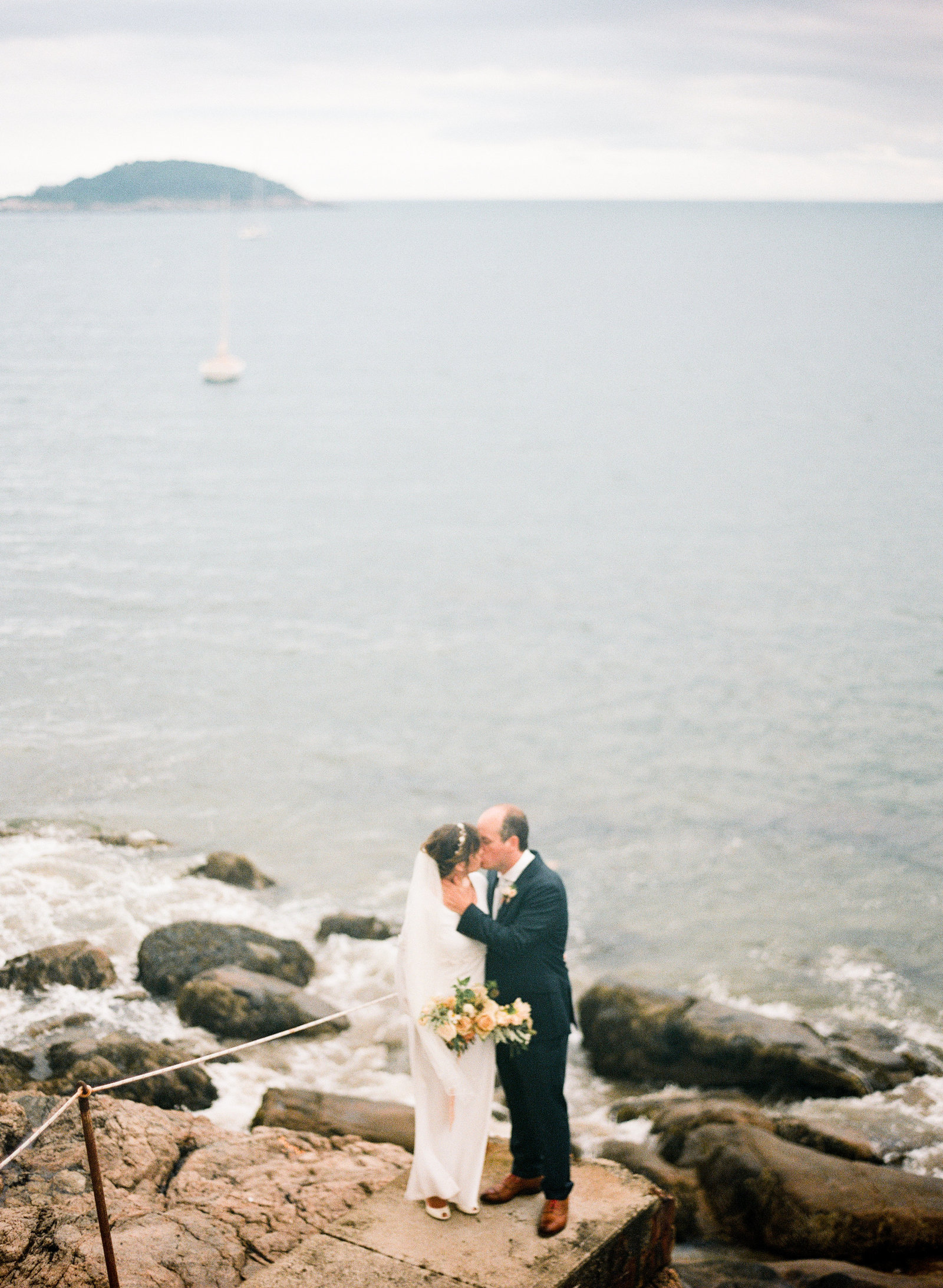 boston-ocean-backyard-wedding-16