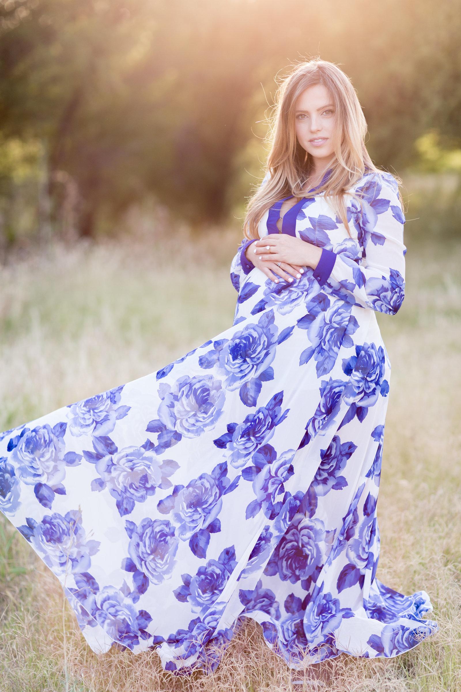 Nicole Maternity Part 1May125
