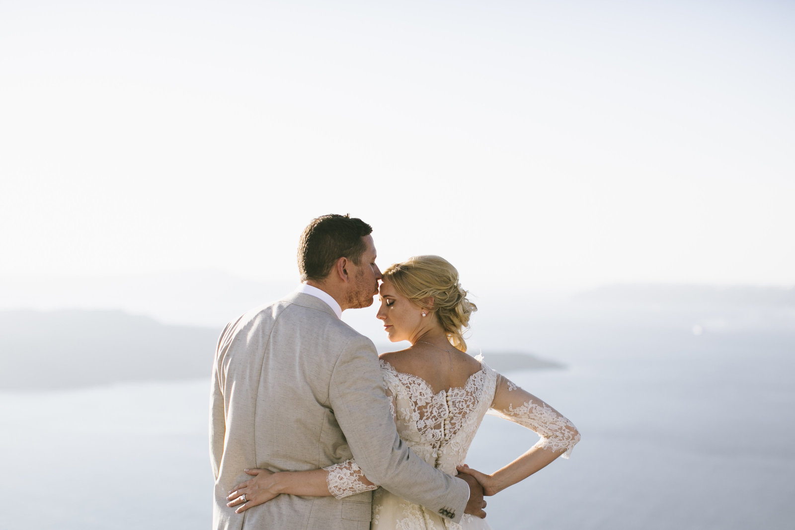 Santorini_wedding_bride_dress_by_JoanneFlemingDesign_PicNikosGogas (2)