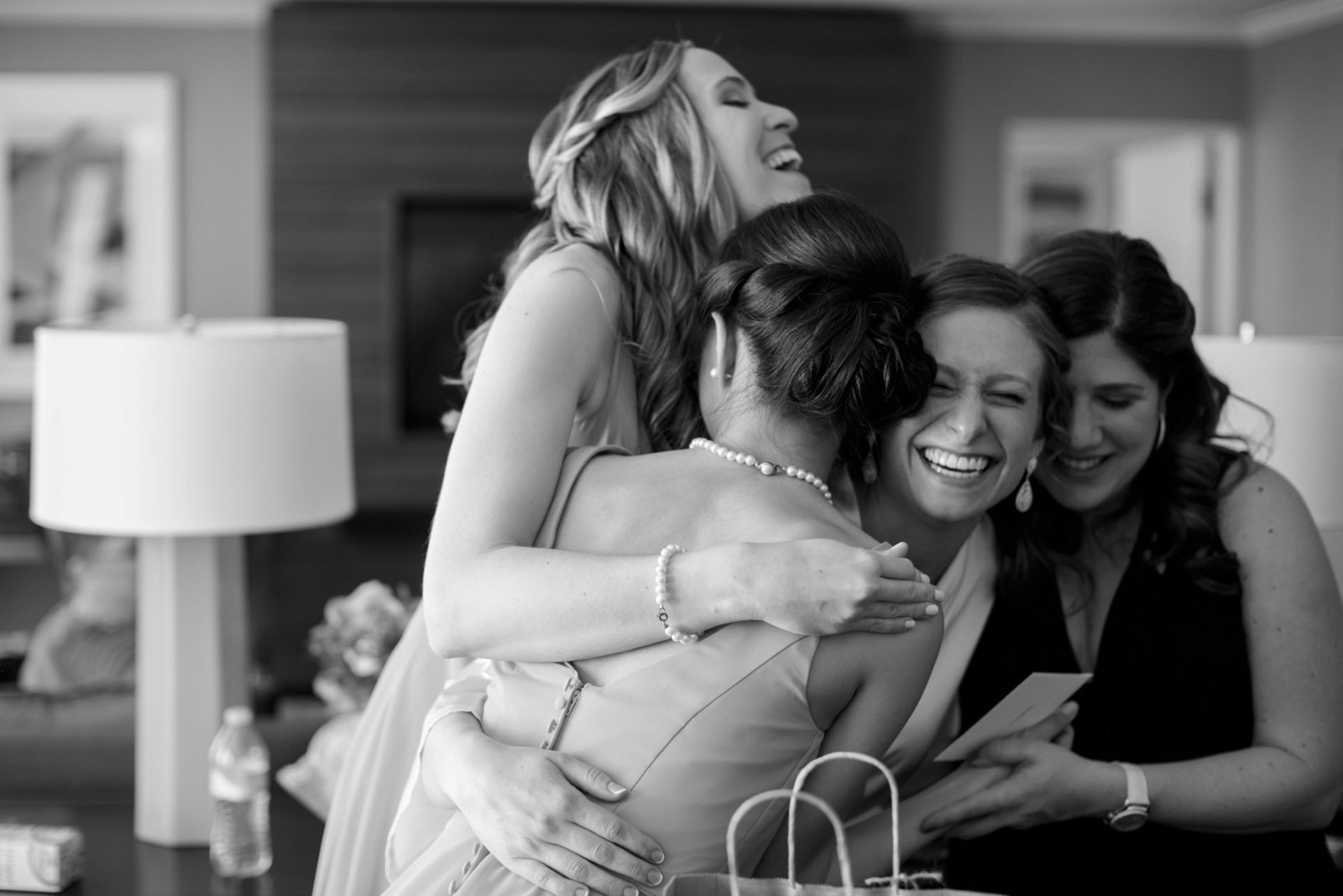 getting-ready-with-your-bridesmaids-on-your-wedding-day