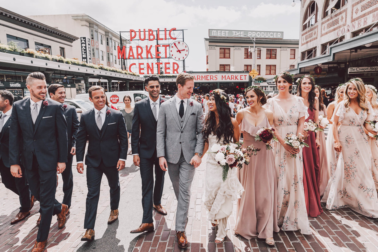 pikes place market wedding