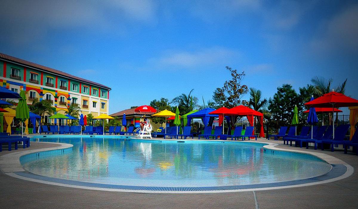 Pool-at-LEGOLAND-Hotel
