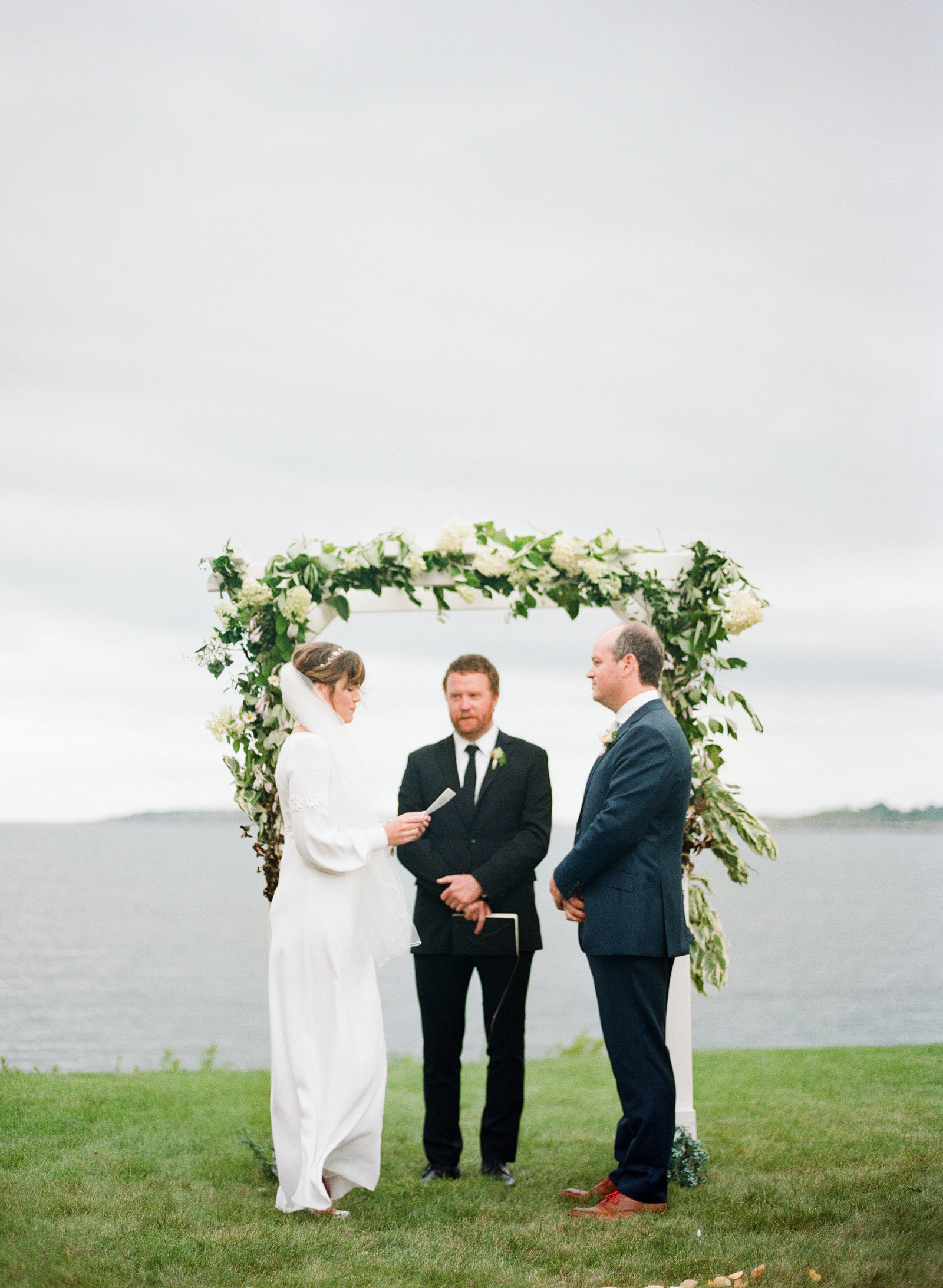 boston-ocean-backyard-wedding-13