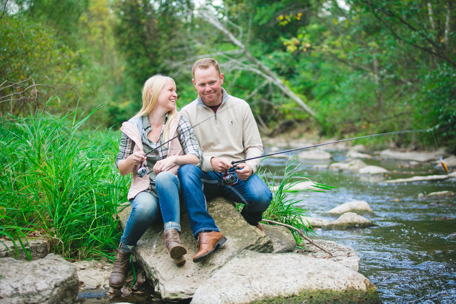 Adventure Fishing Engagement Photos Wisconsin Amenson Studio2