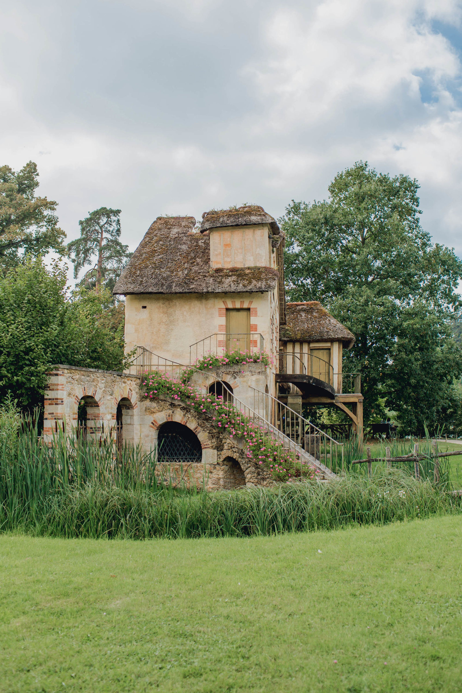mill-marie-antoinette-hamlet-versailles-france-travel-destination-kate-timbers-photography-1715