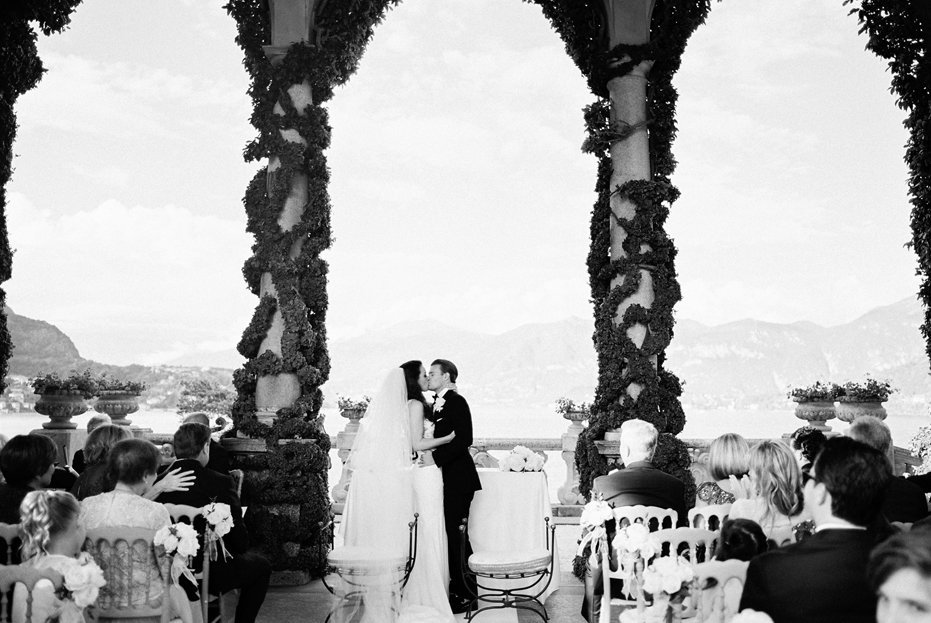 lake_como_italy_villa_balbianello_destination_wedding_melanie_gabrielle_056