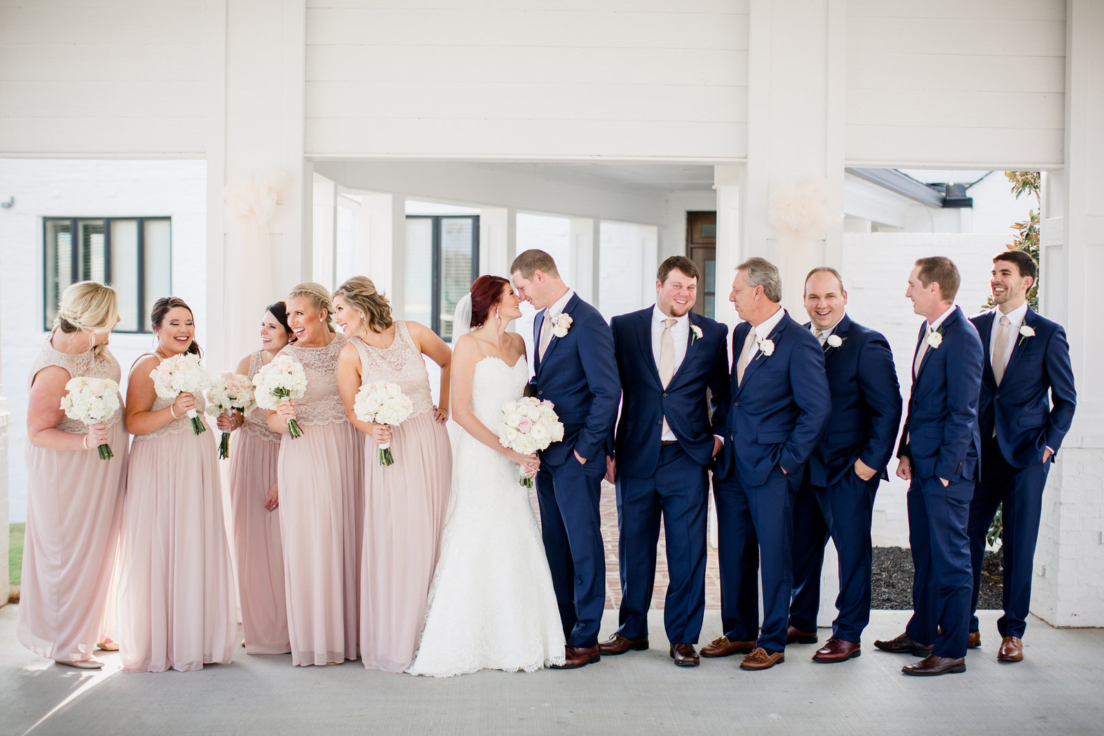 Entire bridal party at Holston Hills Country Club by Knoxville Wedding Photographer, Amanda May Photos.