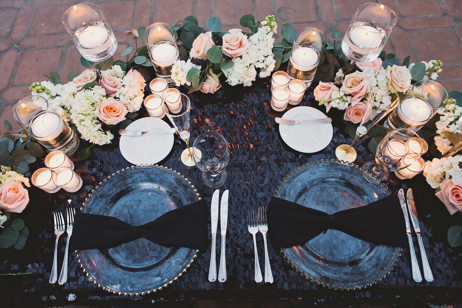 black and pink wedding table decor at Rancho Las Lomas Wedding
