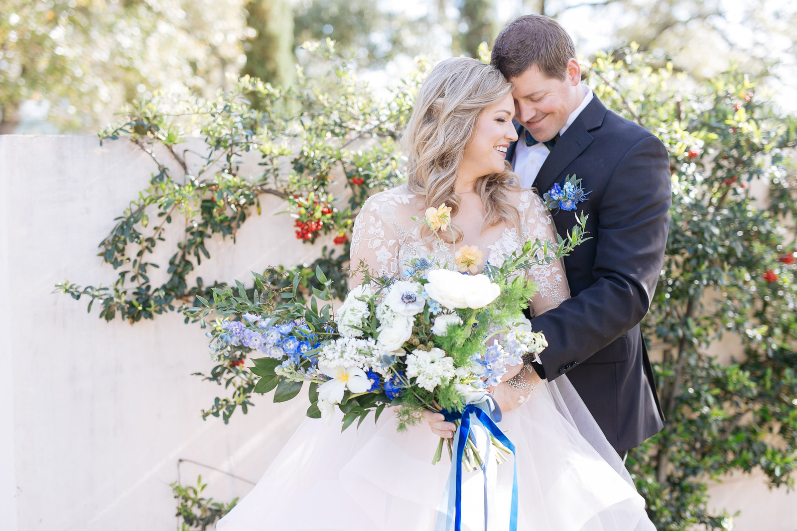 dripping springs wedding photographer at ma maison wearing a hayley paige dress