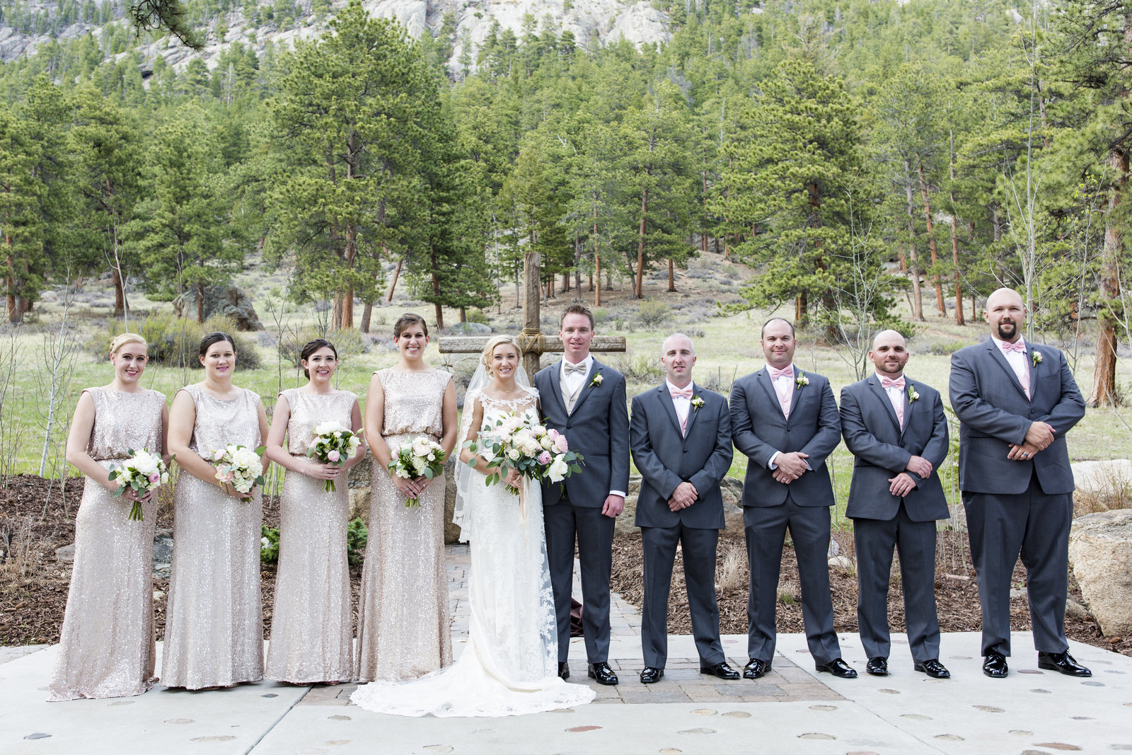 Jessi-Zach-Photography-Colorado-Mountain-Wedding-Photographer-Della-Terra-Mountain-Chateau_36