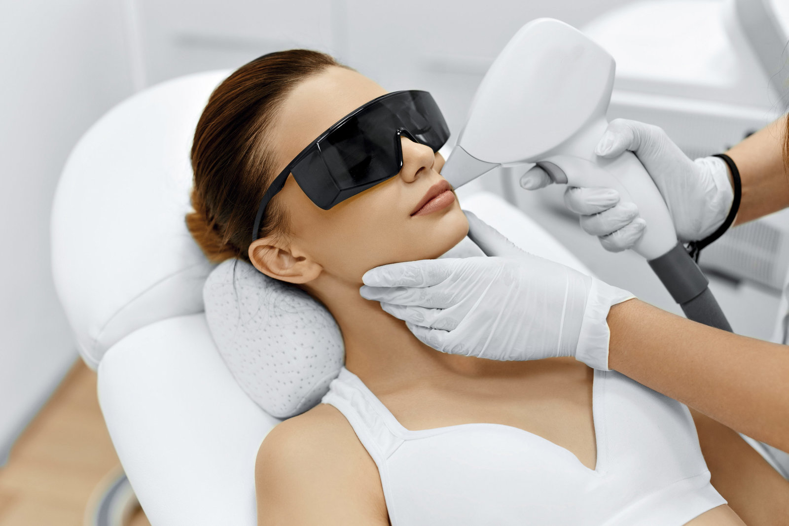 Face-Care.-Facial-Laser-Hair-Removal.-Epilation.-Smooth-Skin-000081313063_Large