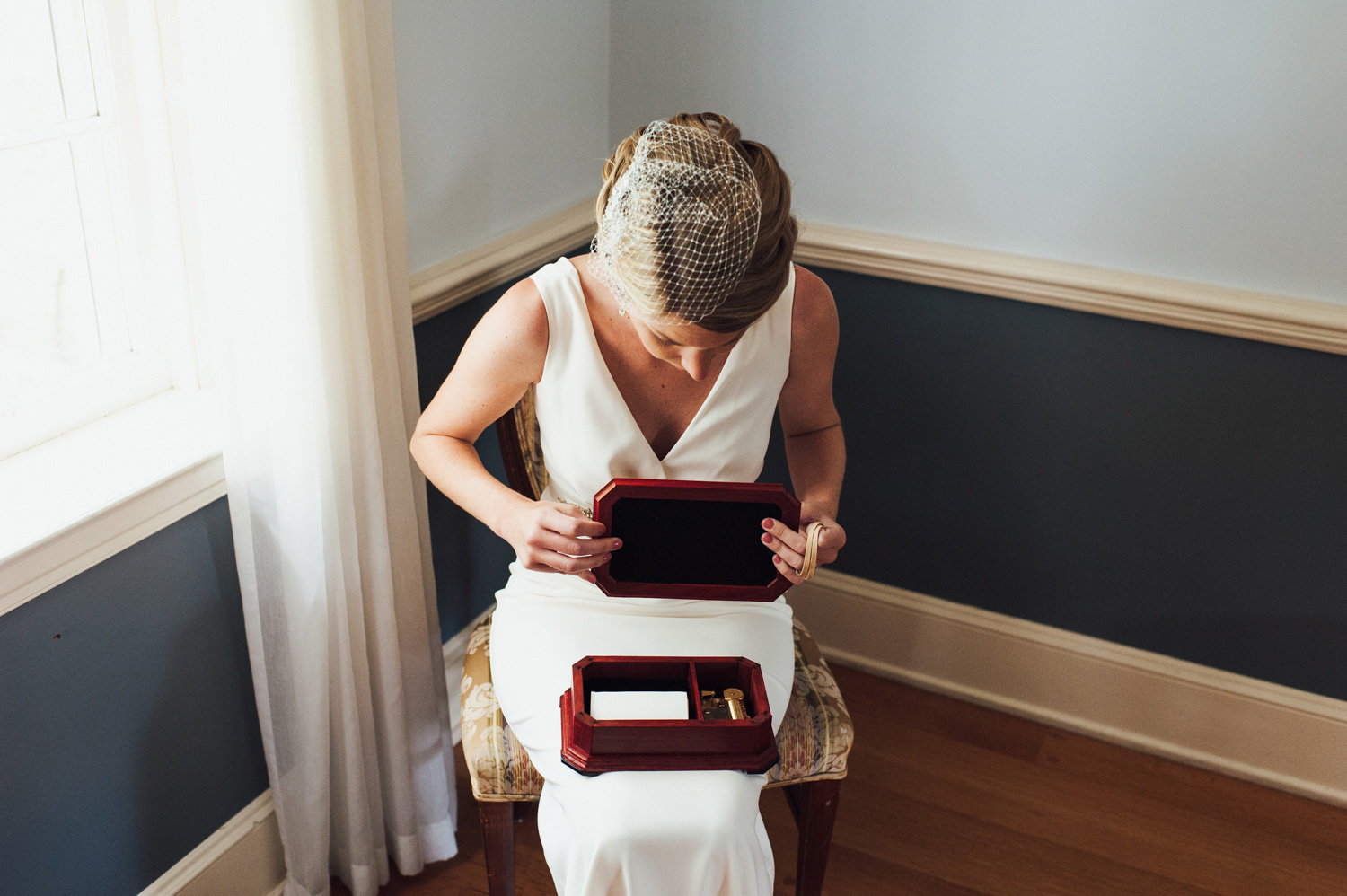 Groom makes music box for his bride
