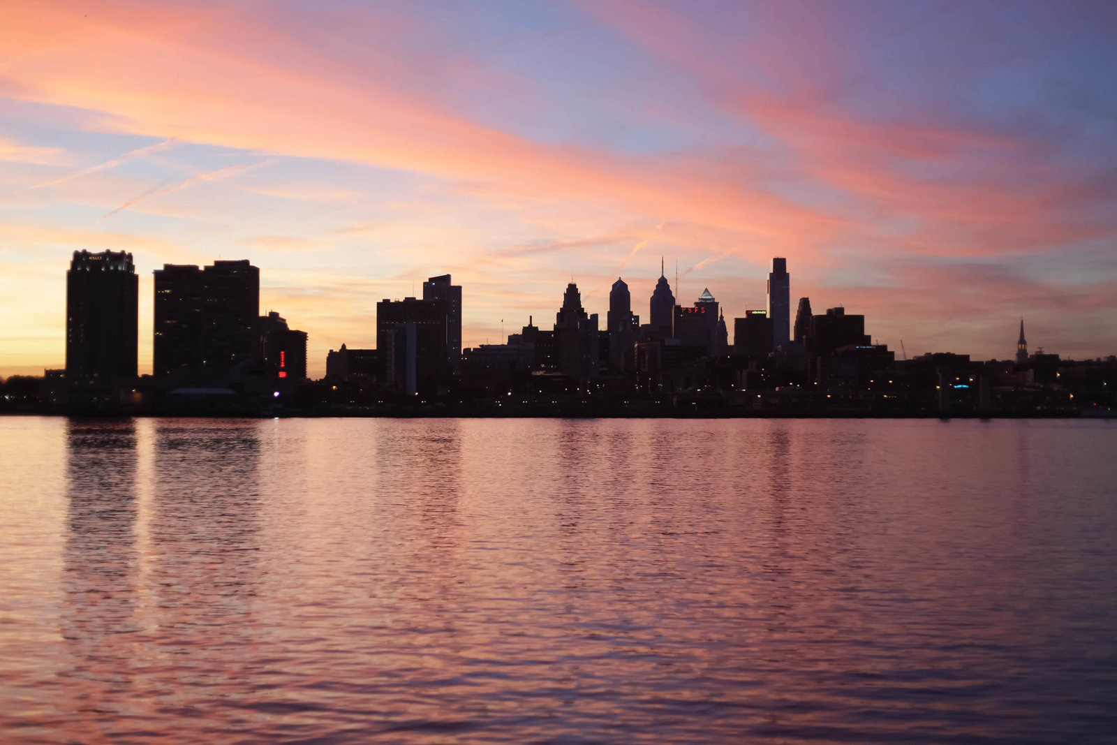 vibrant-sunset-sky-line-city-philadephia-kate-timbers-photography-1551