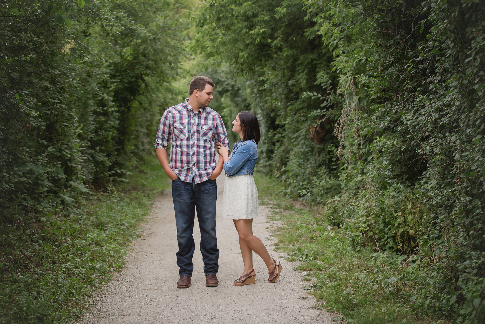 romantic-engagement-session