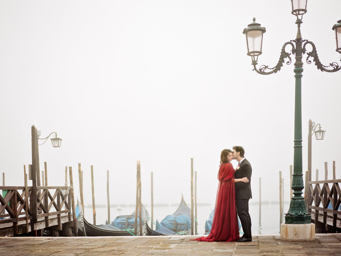 Venice_romantic_elopement_red_dress_JoanneFlemingDesign_Archetype (8)