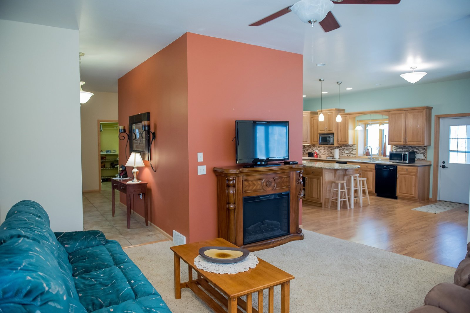 Kris Kandel Fargo real estate photographer helps realtors with online listing improvements.