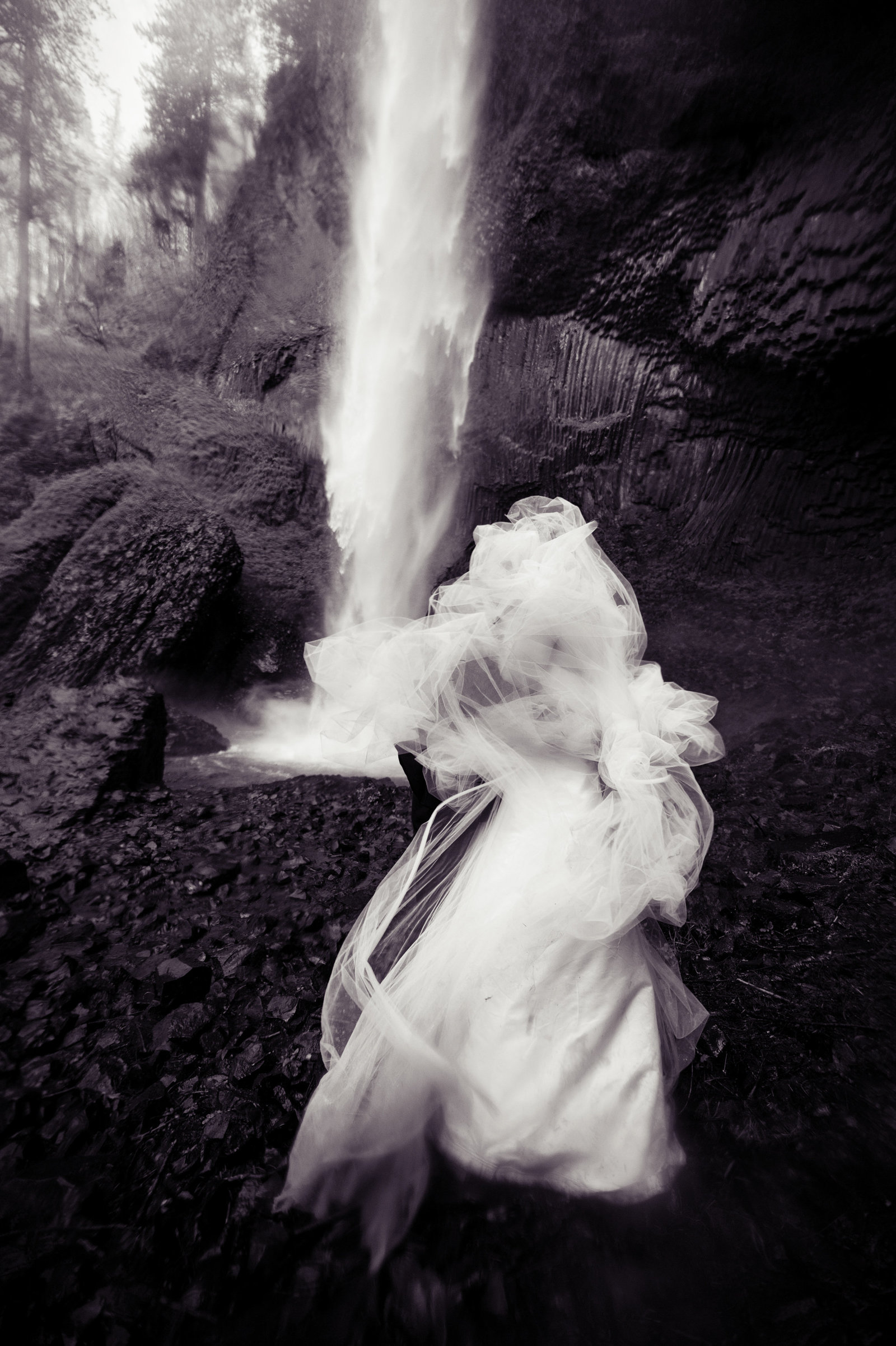 Crystal Genes Photography LATOURELL FALLS ELOPEMENT170421-160838