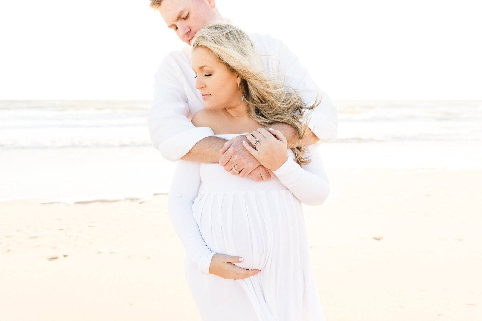 i-virginia-beach-sunrise-maternity-portraits_2056