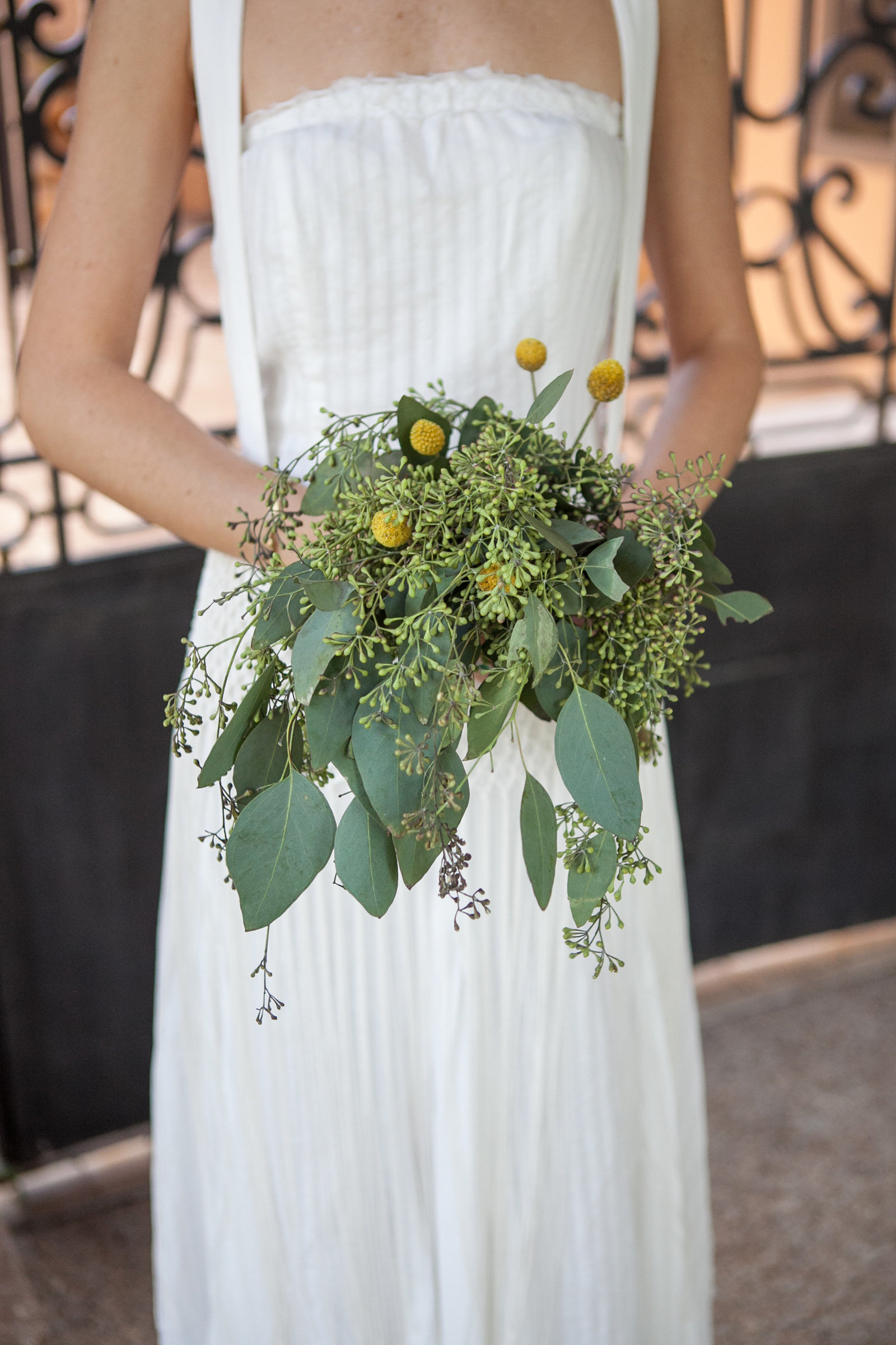 Austin Family Photographer, Tiffany Chapman, bride with green boquet photo