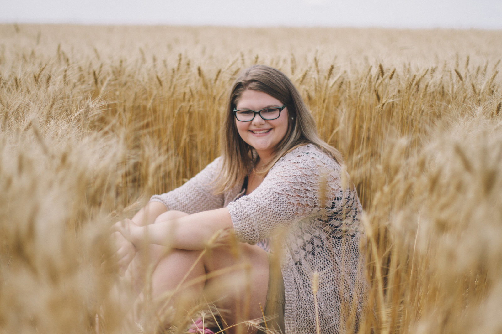 senior | elizabeth street photography | wheat field | Tappen, ND