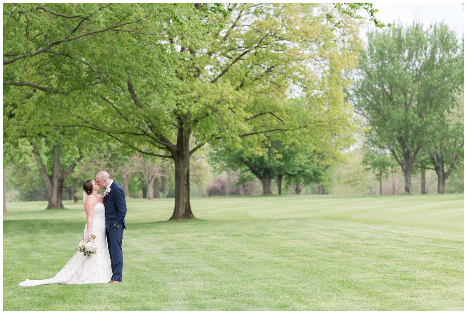 columbus ohio wedding photos brookside golf and country club outdoor wedding_0047