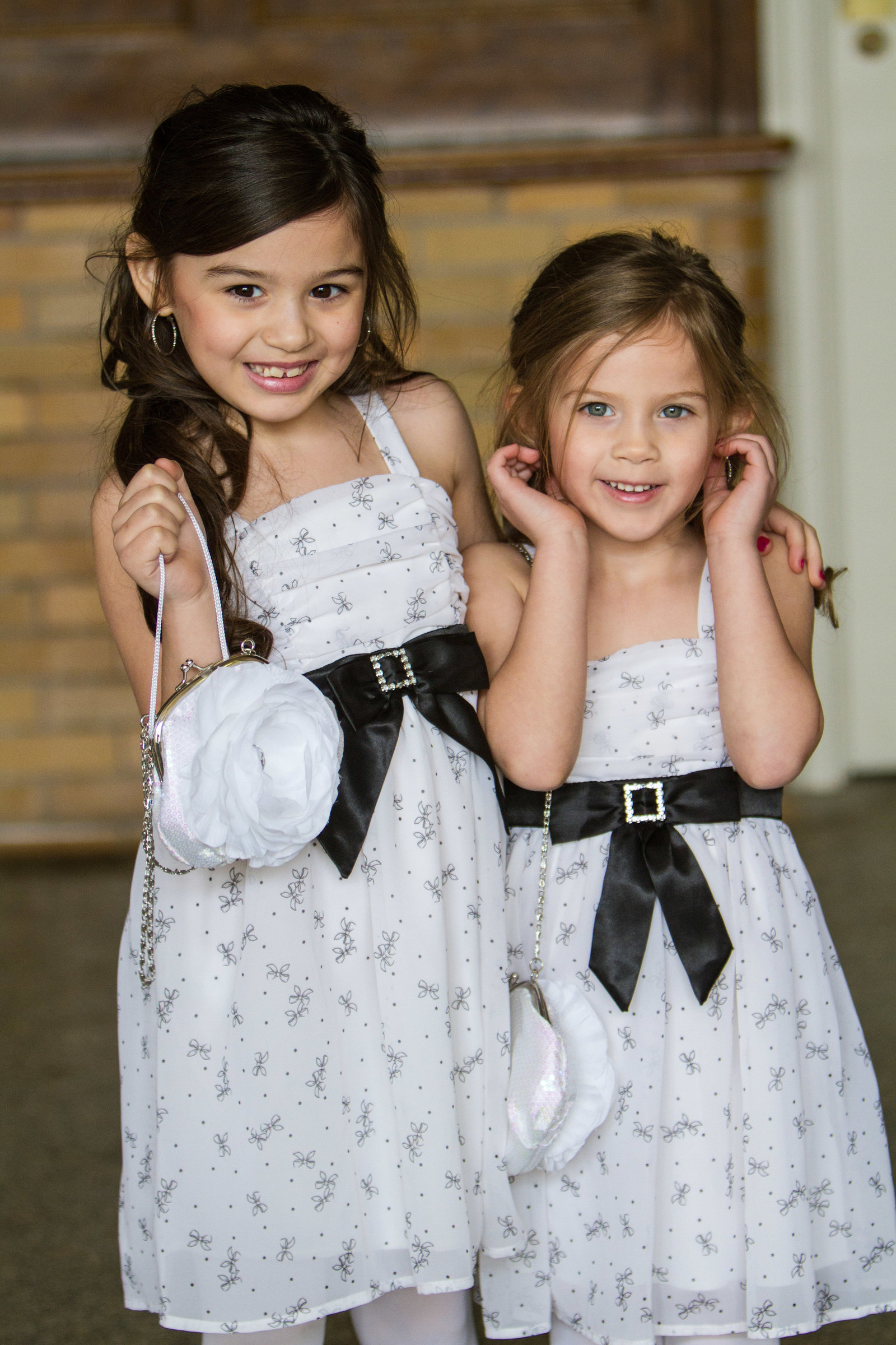wedding photography flower girls