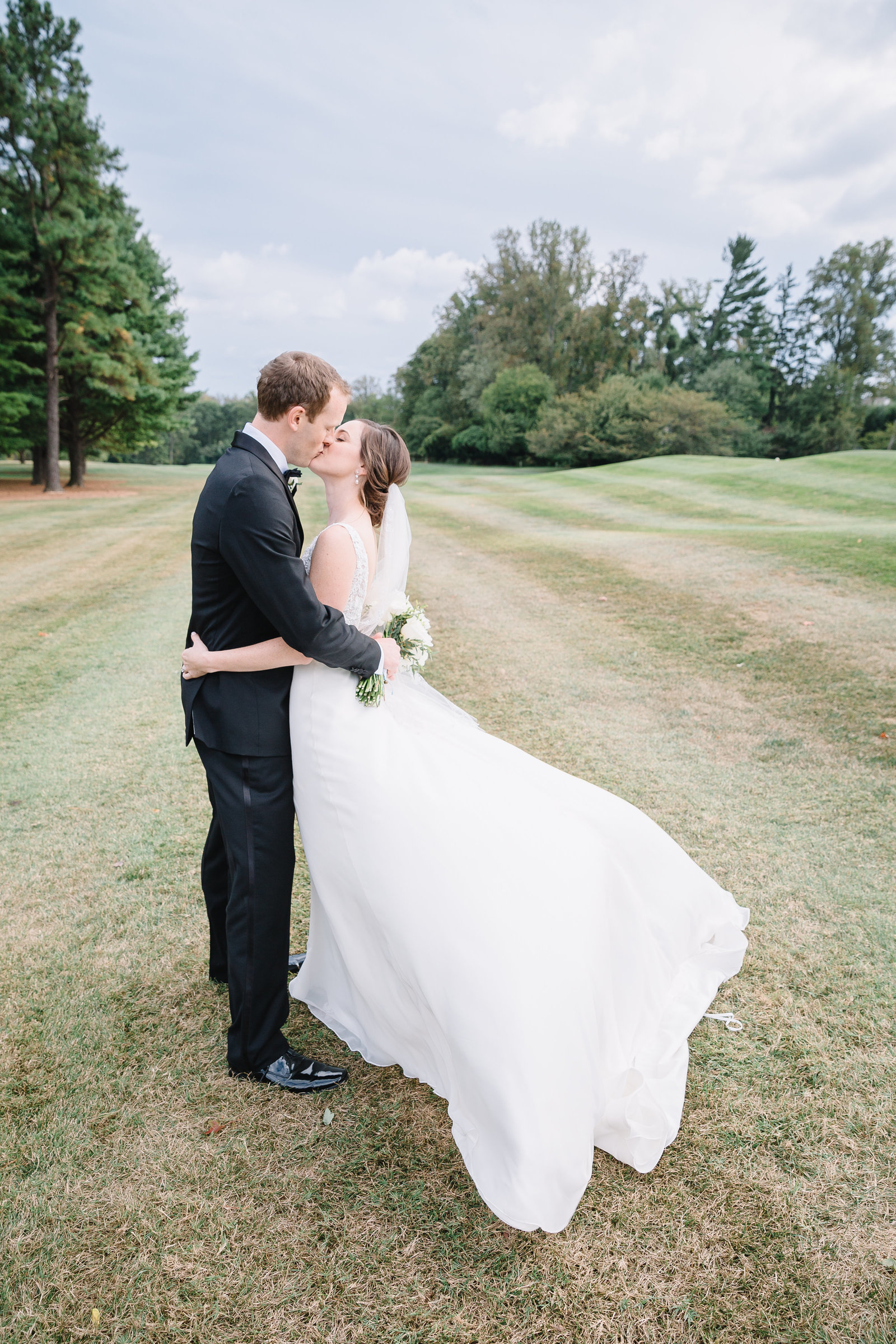 bride and groom at manor country club rockville md