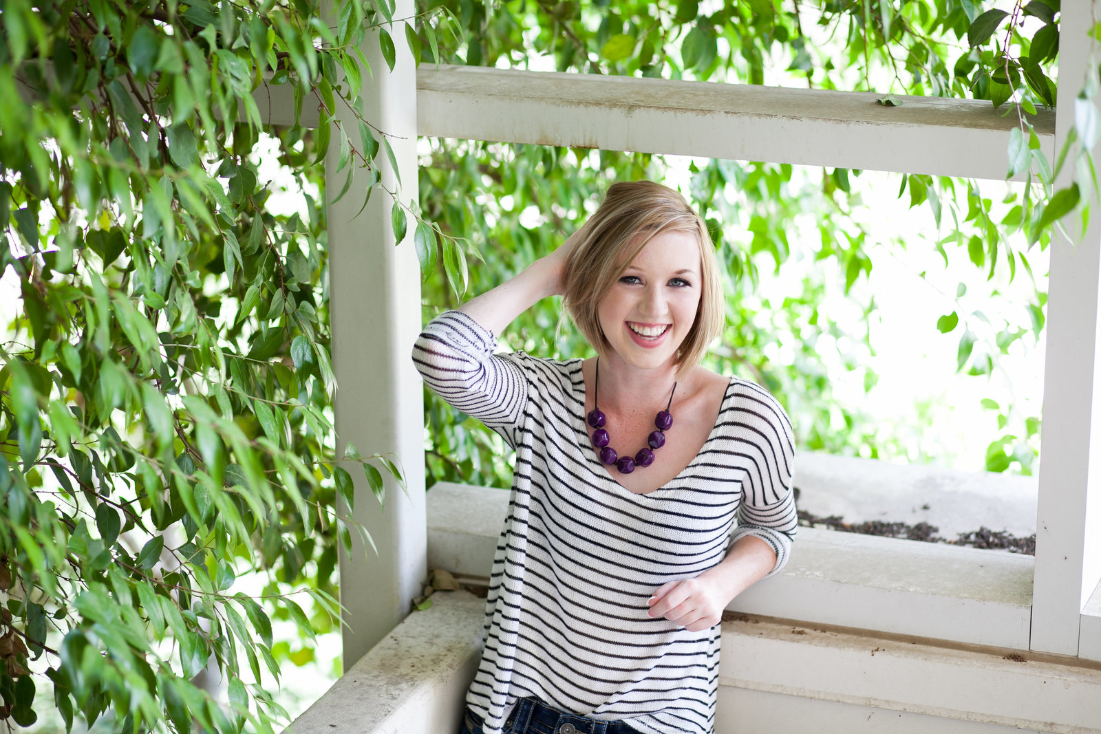 laughing oregon senior in grad photo session | Susie Moreno Photography