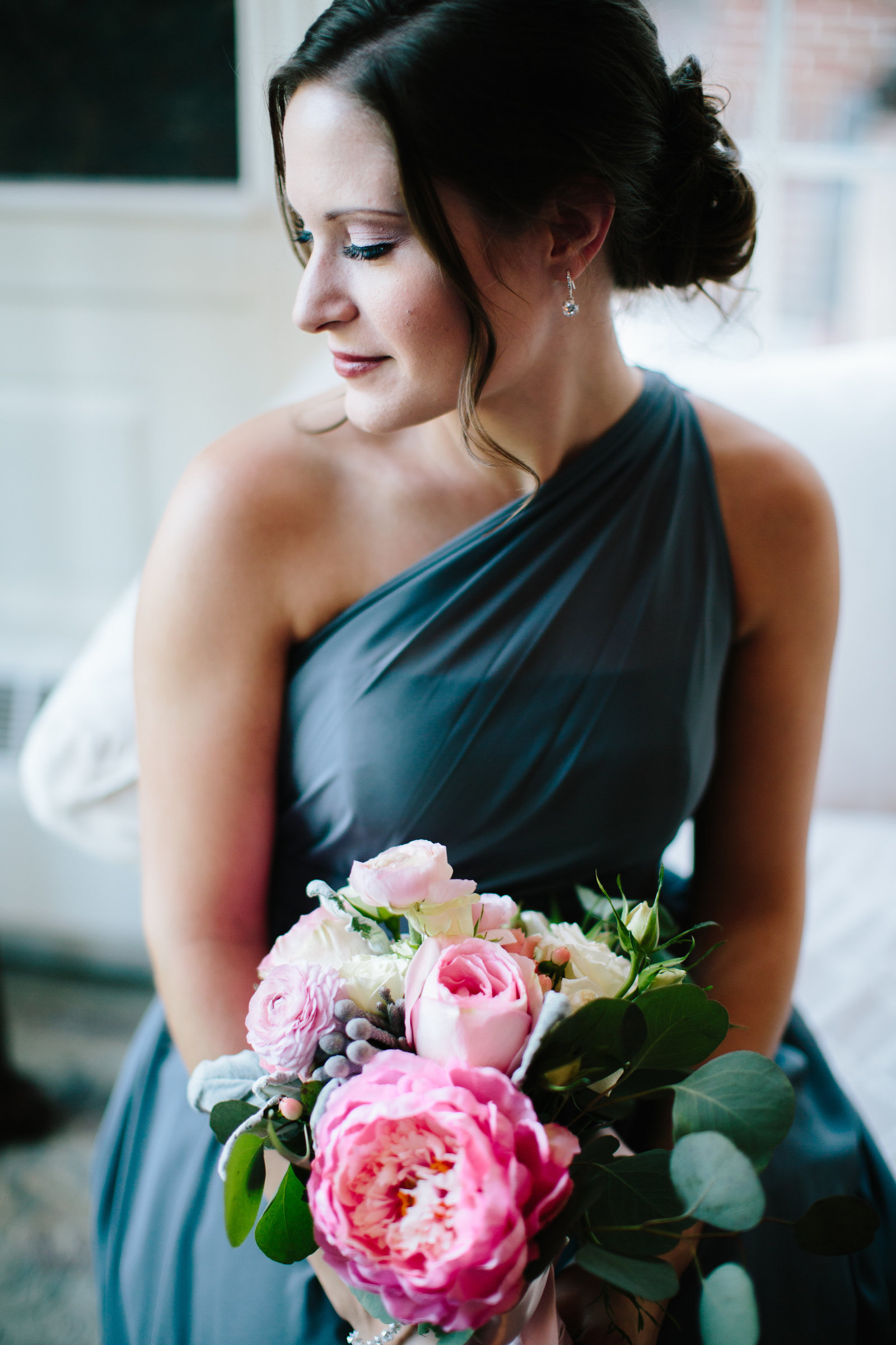 Pink and gray Youngstown Ohio wedding at the Avalon Golf and Country Club by Austin and Rachel Photography