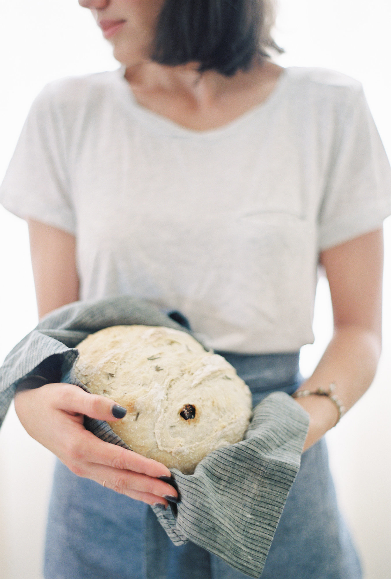 gathered-and-sown-rosemary-fig-bread-melanie-gabrielle-photography-49