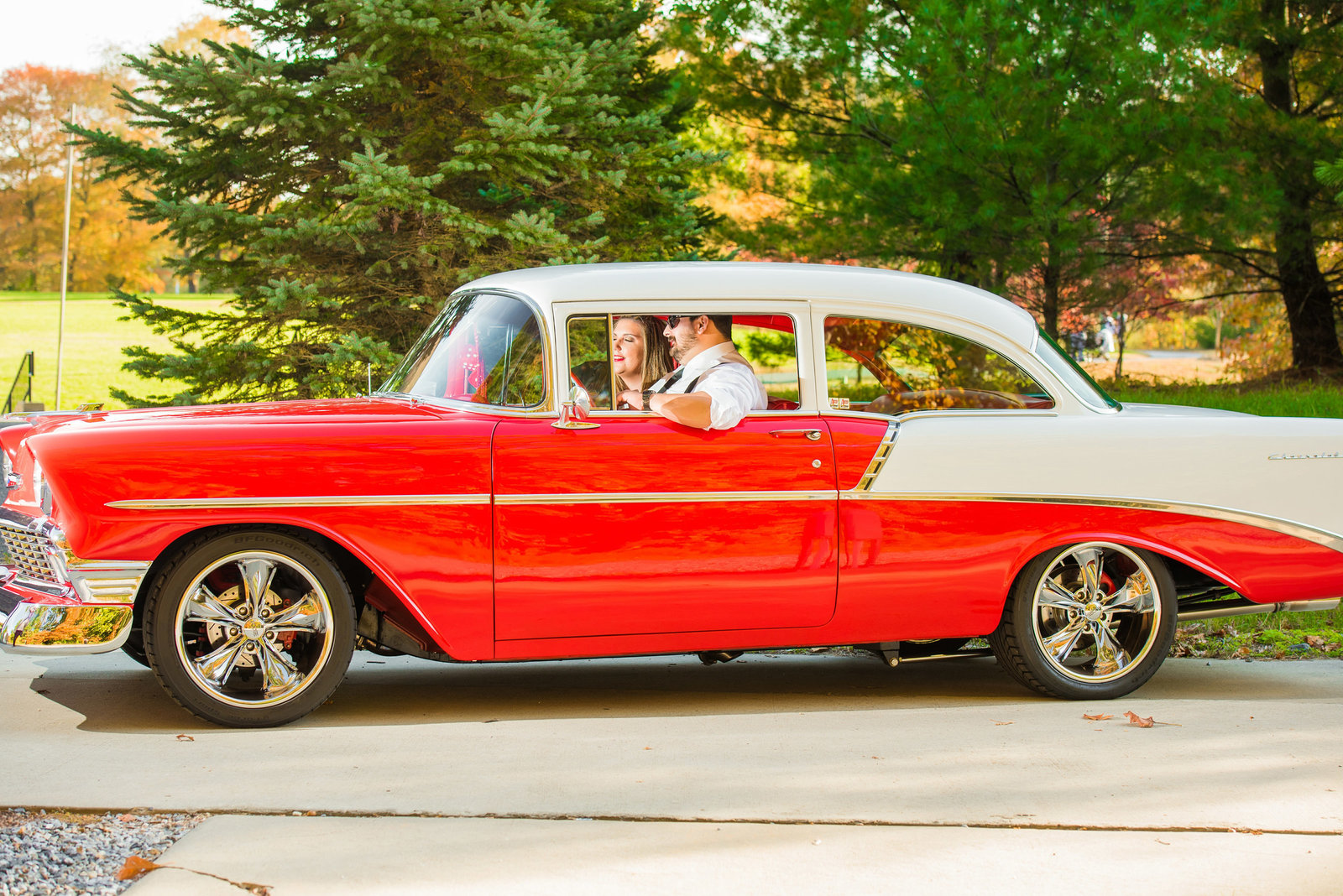 Retro_Pinup_Car_engagement_session_Nj044