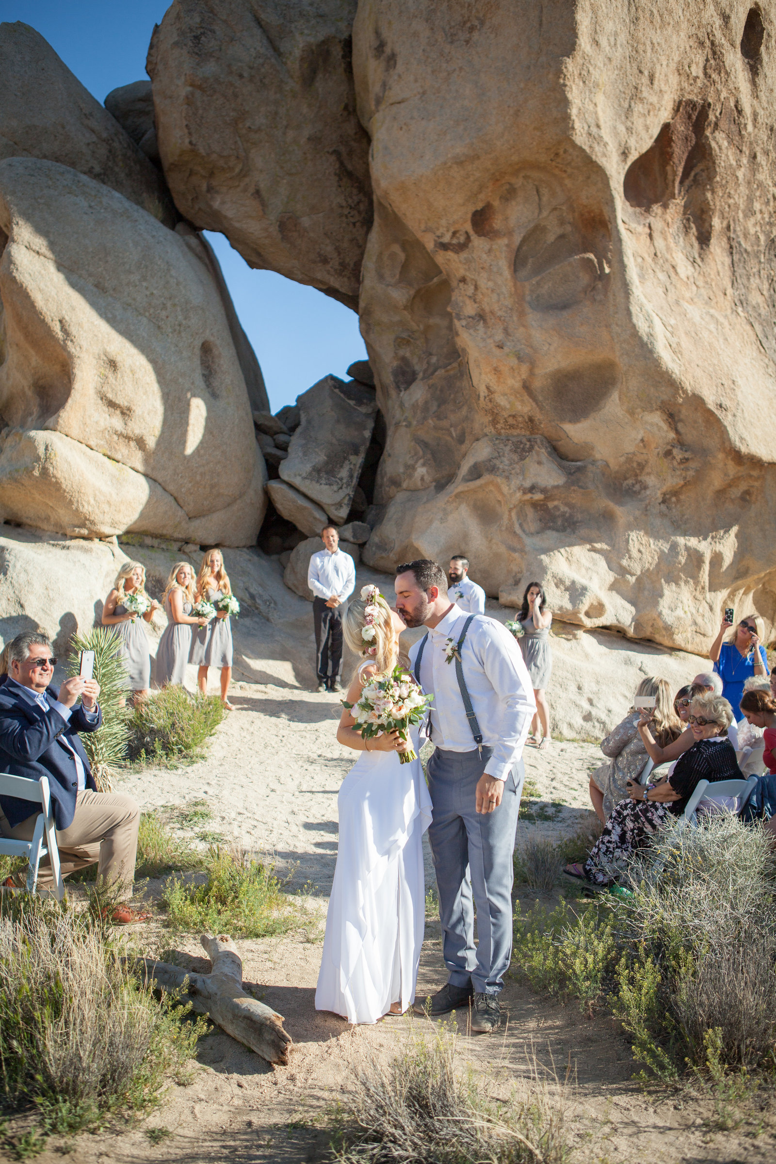 Joshua Tree Wedding Bride and Groom Kiss