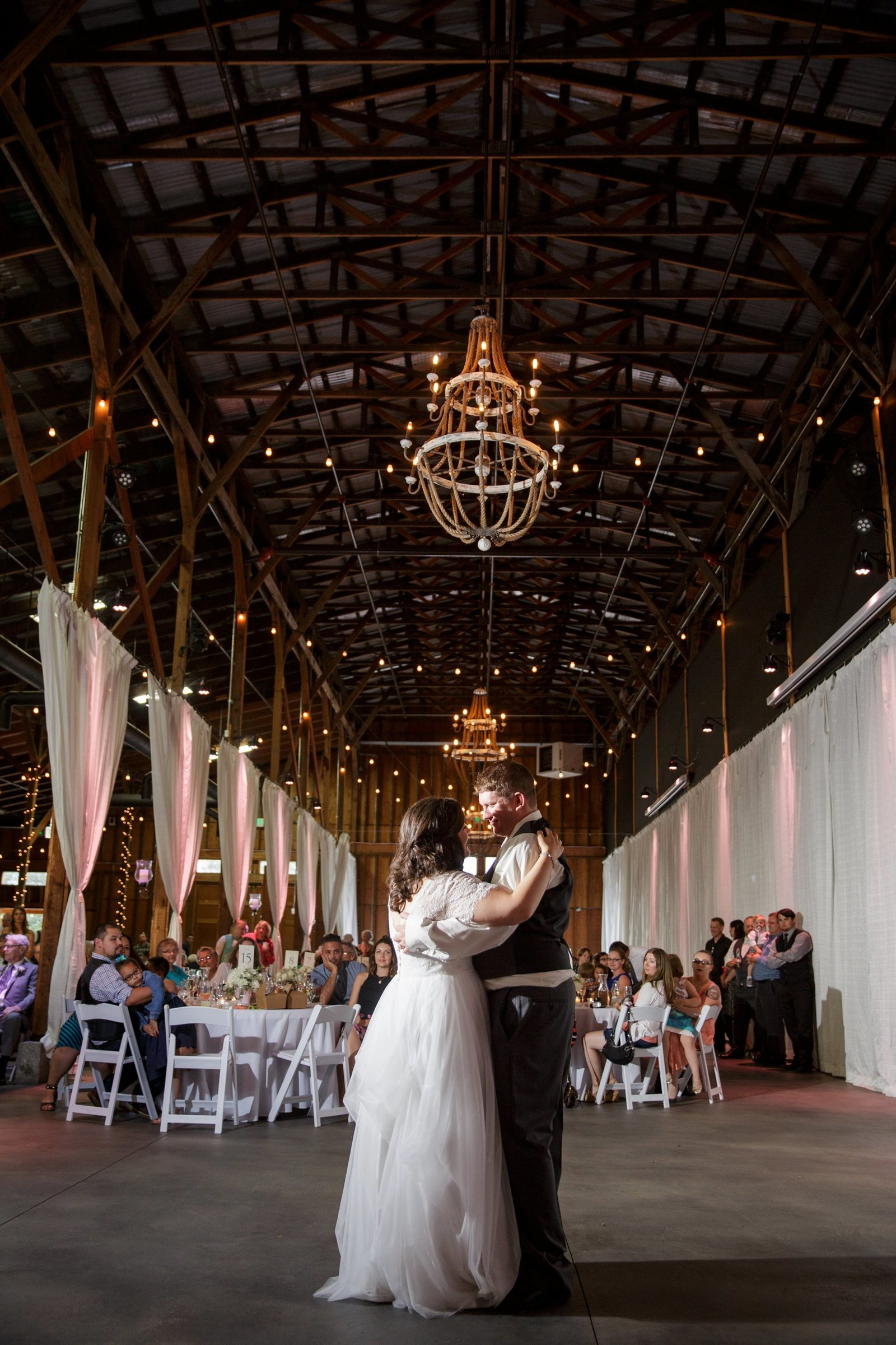 crossroads-weddings-snohomish-barn-wedding