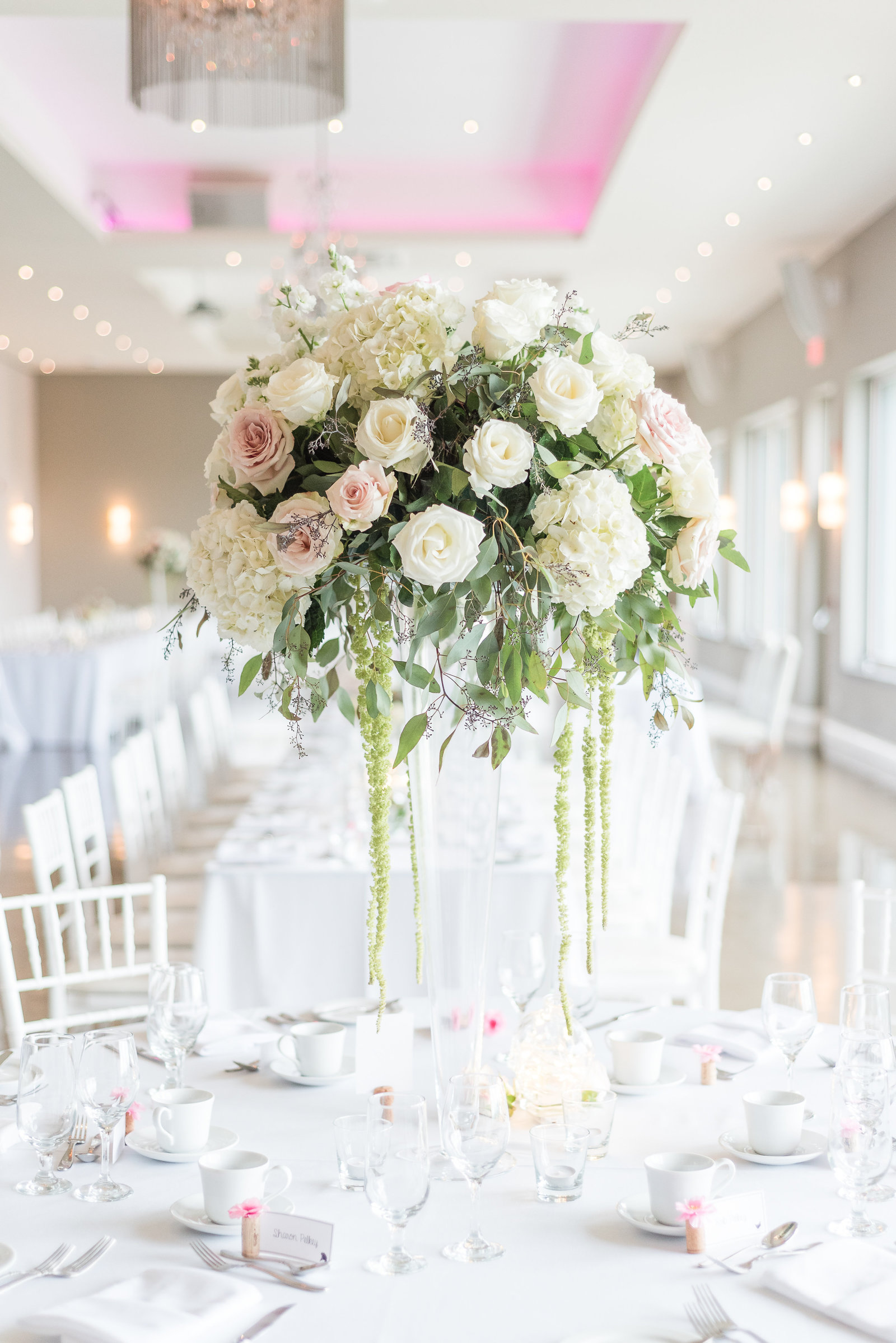 Luxe-Floral-Le-Belvedere-Wedding-Photos-Wakefield-142940