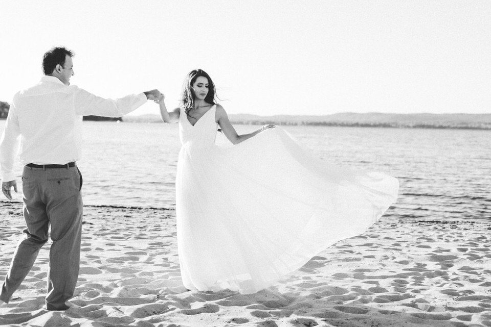 Alaa-Jad-Ottawa-Beach-Bridal-Shoot-Ali-Batoul-Creatives-94-1024x684(pp_w990_h661)