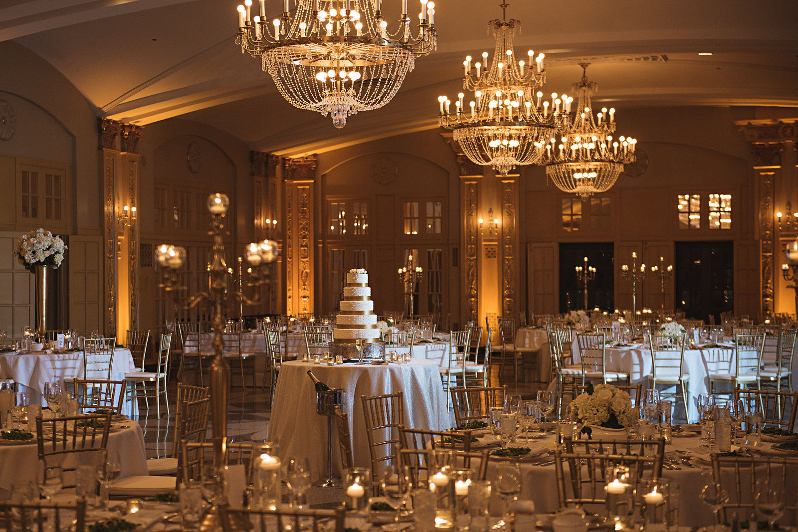 WeddingPlanner_KansasCity_Luxury_Hilton_President_Royals_Player506