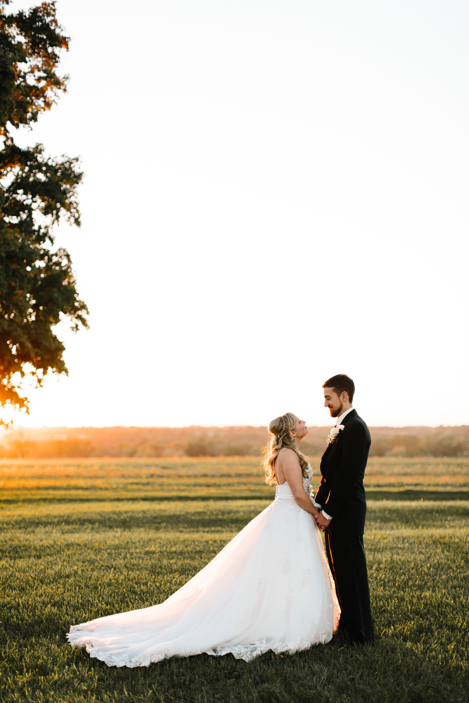 Wooster Ohio wedding at Quailcrest Farm by Austin and Rachel Photography