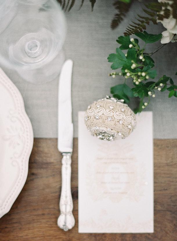 a-gorgeous-european-french-tablescape-max-gill-jill-lafleur-normandy-france-chateau-le-val-sylvie-gil-photography-melanie-gabrielle-photography-10