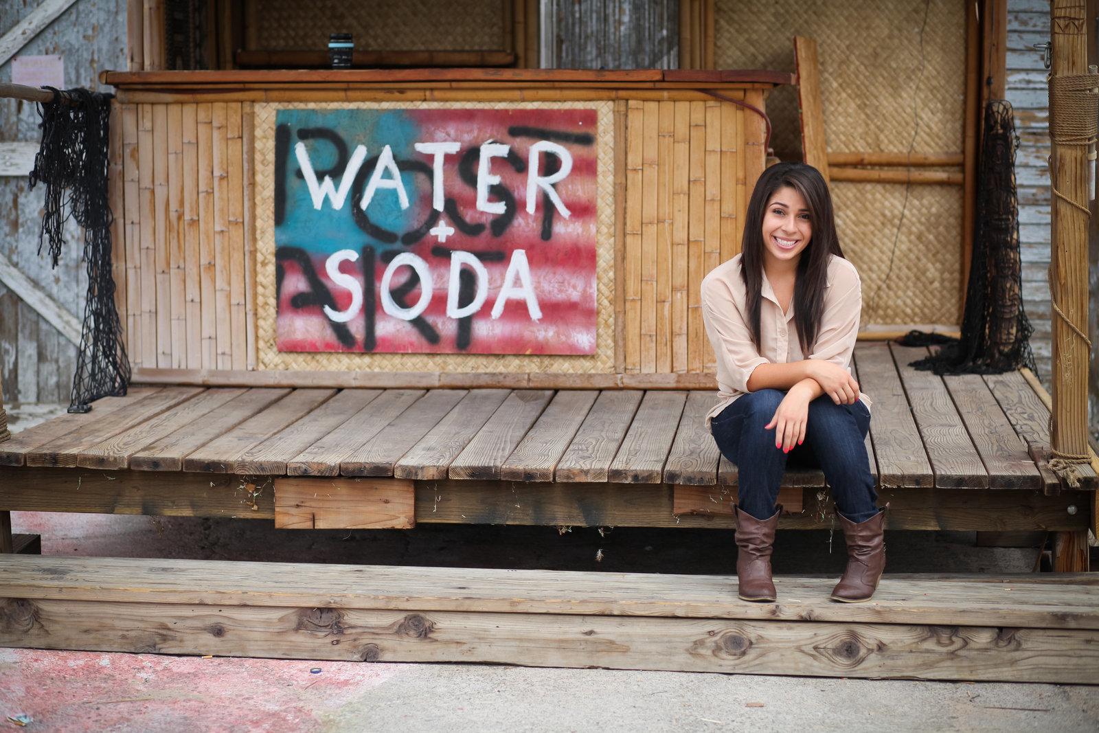 unique grad photos in Portland, Oregon | Susie Moreno Photography