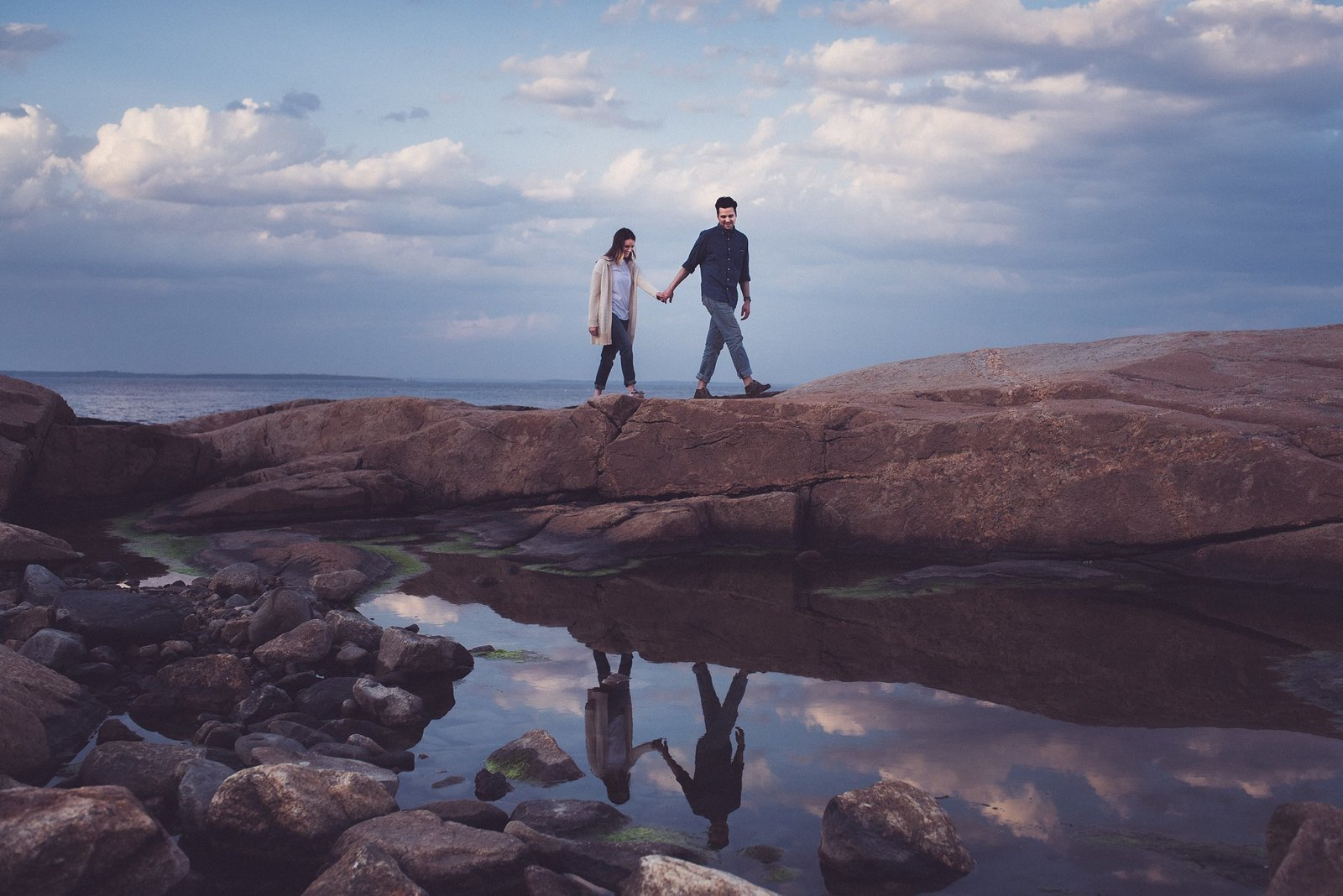 engagement photos at hazard rock in rhode island